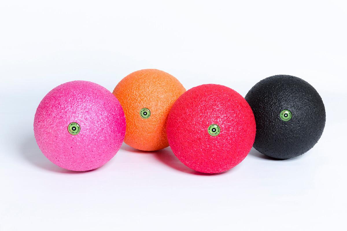 Массажные мячи BLACKROLL® Массажный мяч BLACKROLL® BALL 12 см BRBB-12C-BK-OR-PK-RD_small_nebeneinander.jpg