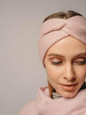 Женская повязка на голову розового цвета из кашемира - фото 2