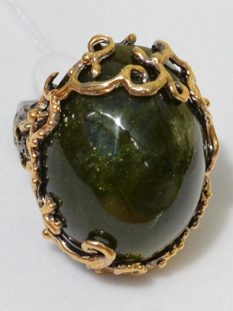 Везувиан (серебряное кольцо с позолотой)