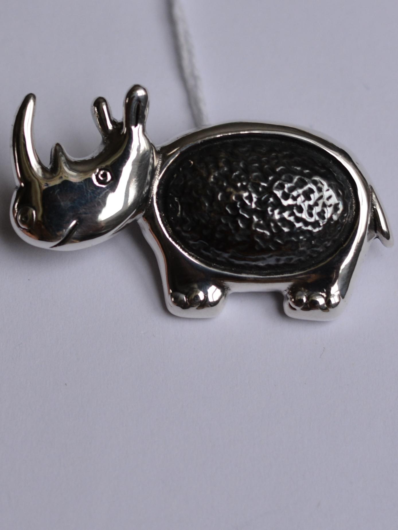 Носорог (брошь из серебра)