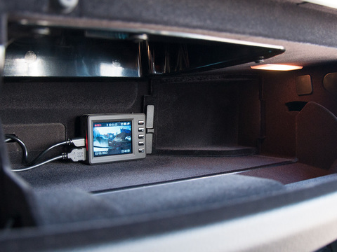 Автомобильный видеорегистратор Axiom Premium BMW Edition