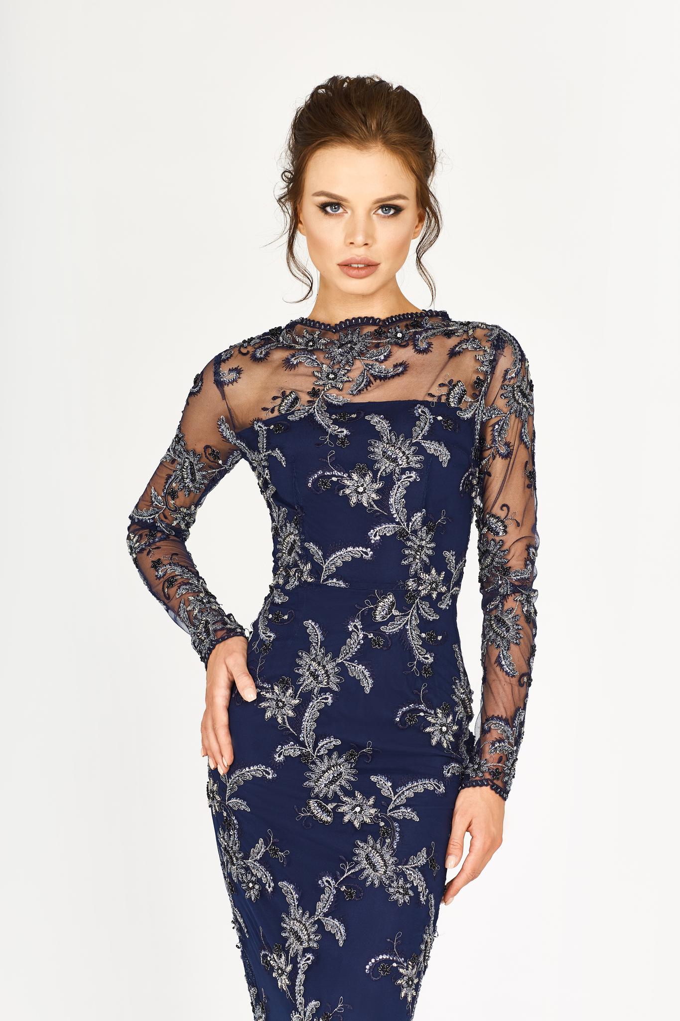 Платье-футляр синее кружевное с серебряной вышивкой