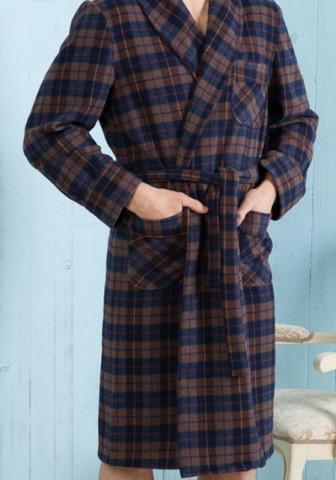 Клетчатый мужской халат для холодного времени года