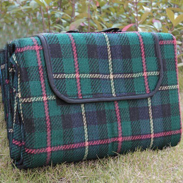 Зелёный вариант коврика для пикника