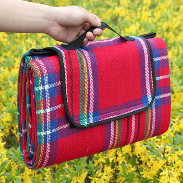 Красный цветовой вариант коврика для пикника