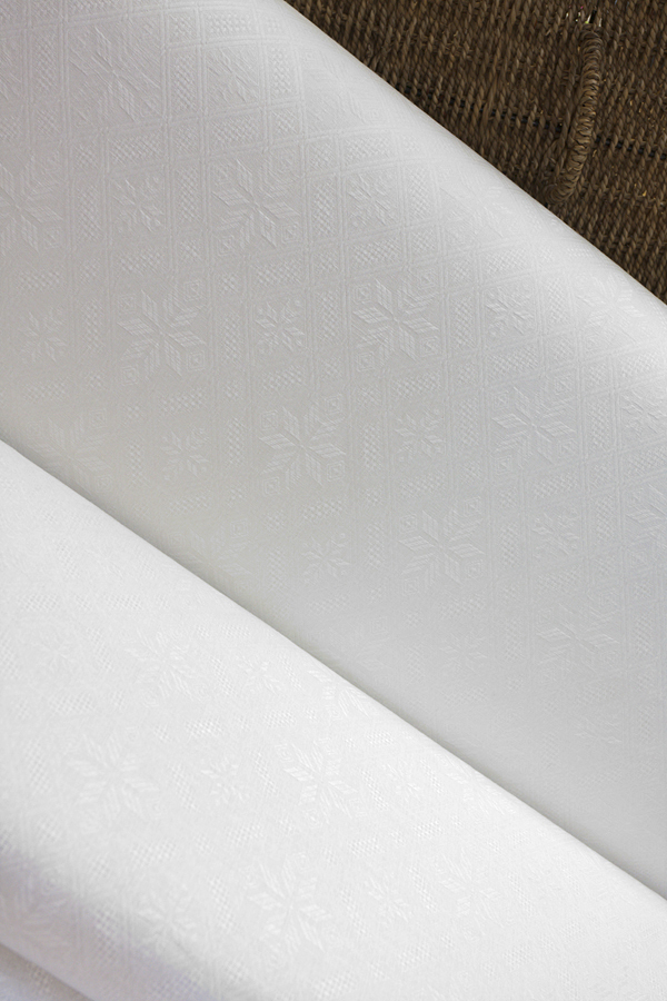 Ткань натуральная,жаккард  рисунок РОМБЫ