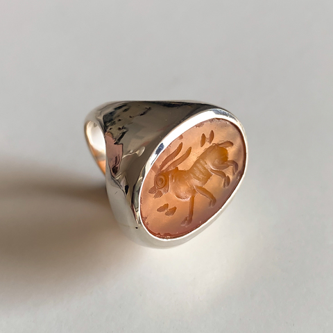Signet ring with intaglio 15.5 (carnelian, oval)