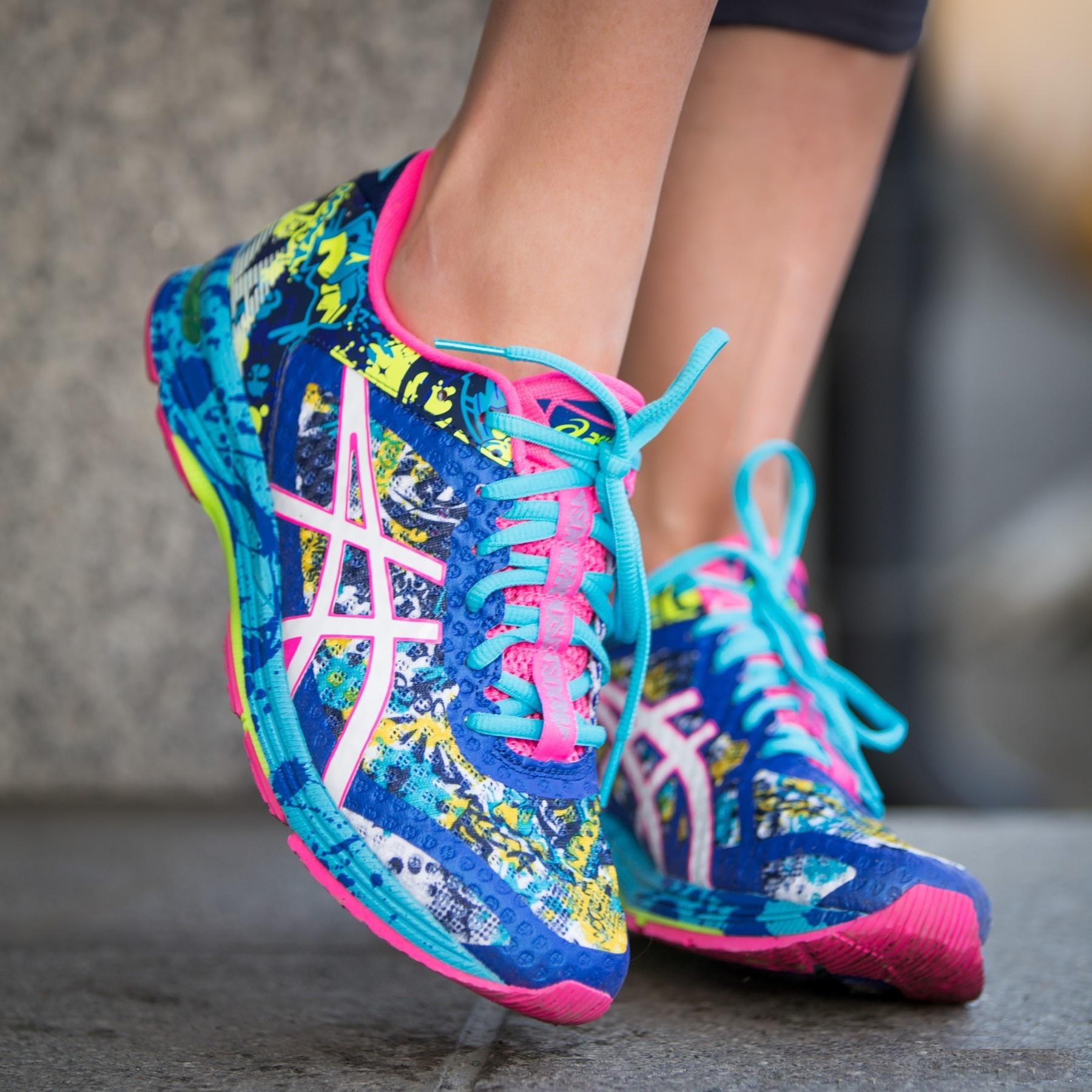 Женские кроссовки для бега Asics Gel-Noosa Tri 11 (T676N 4301) модель