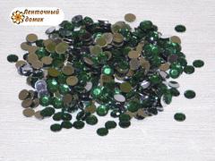 Стразы клеевые зеленые диаметром 6 мм