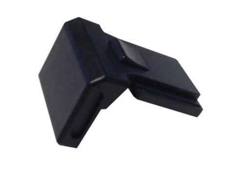 Планка для защиты разъема фотовспышки на верхней панели камеры М