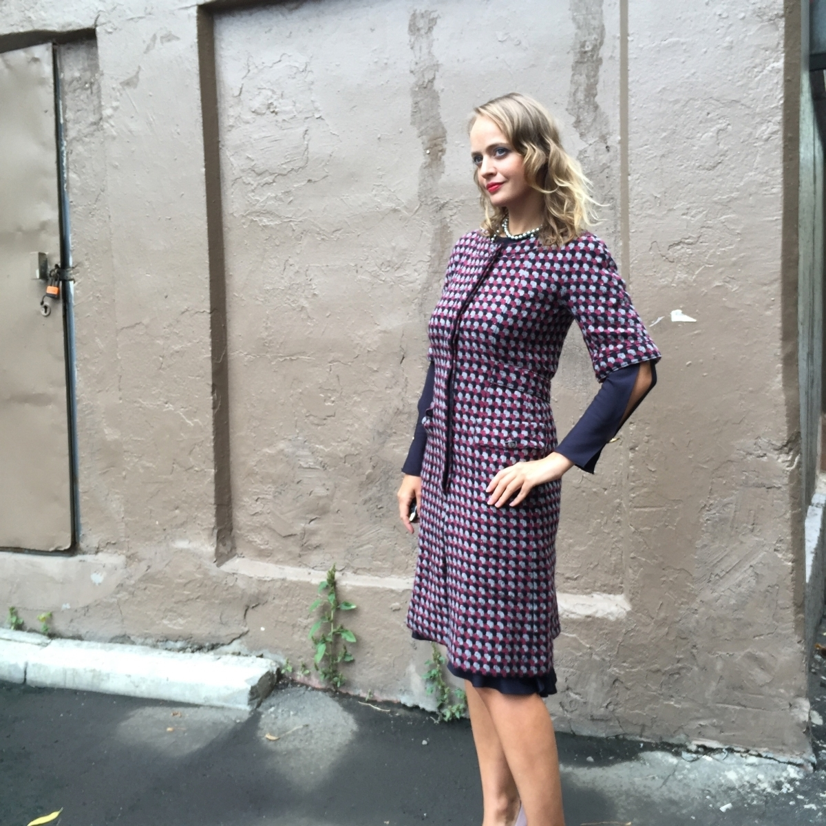 Эленантное пальто с укороченным рукавом из кашемира от Chanel, 34 размер и 46 размер.