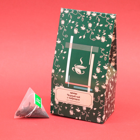 Черный  чай с чабрецом в пирамидках