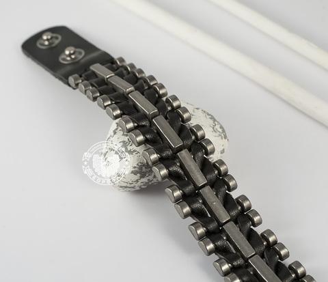 BL393-1 Яркий мужской браслет из натуральной кожи и металла на кнопках