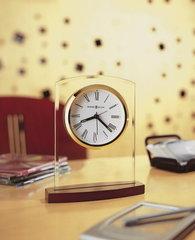 Часы настольные Howard Miller 645-580 Marcus