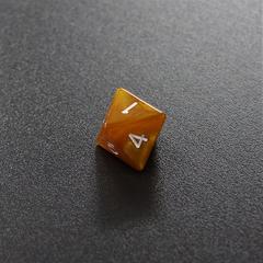 Золотой мраморный восьмигранный кубик (d8) для ролевых и настольных игр