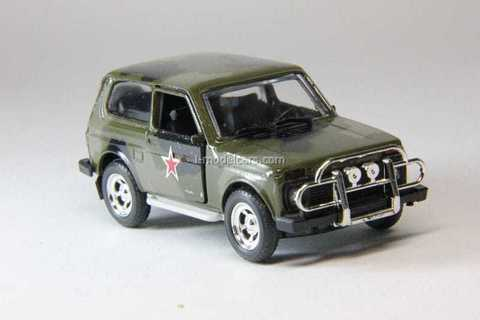 VAZ-21213 Niva Lada camouflage with star Agat Mossar Tantal 1:43