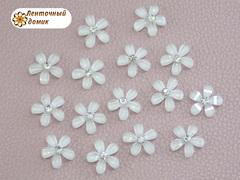 Декор стразовый белый цветочек со стразиной