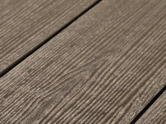 Террасная доска SW Abies (R) - радиальный распил. Цвет темно-коричневый.