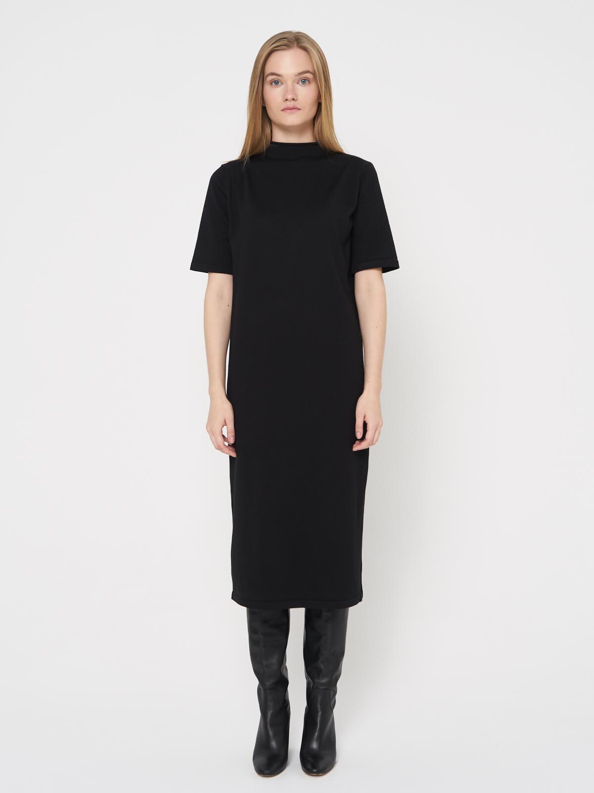 Платье трикотажнгое с коротким рукавом