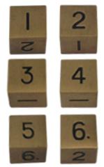 Набор шестигранных металлических кубиков цвета старого золота