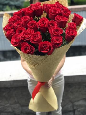 Метровые голландские розы