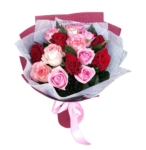Букет из 15 цветных роз