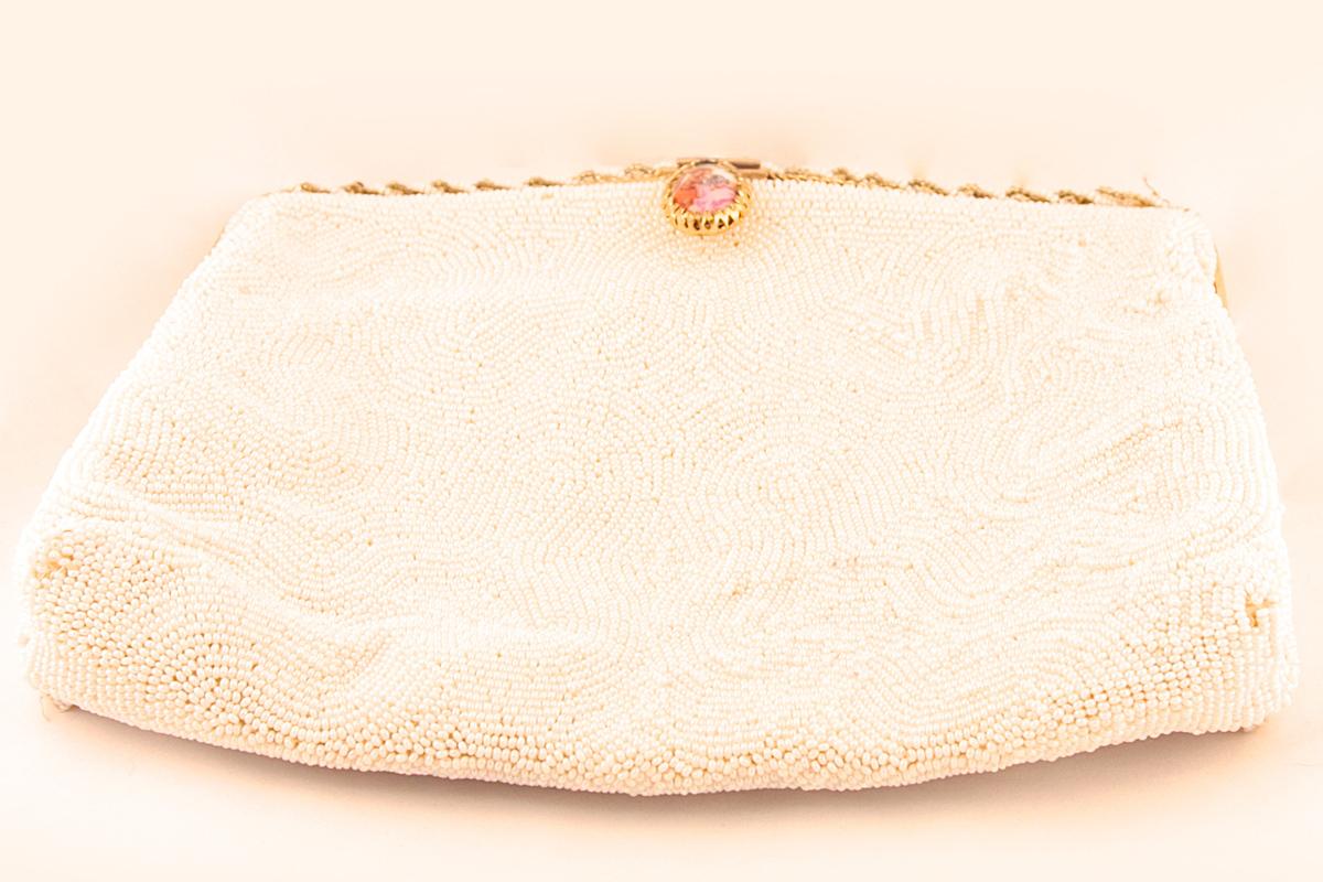 Изысканная сумочка, расшитая бисером с порцелановой застежкой от Walborg, Франция