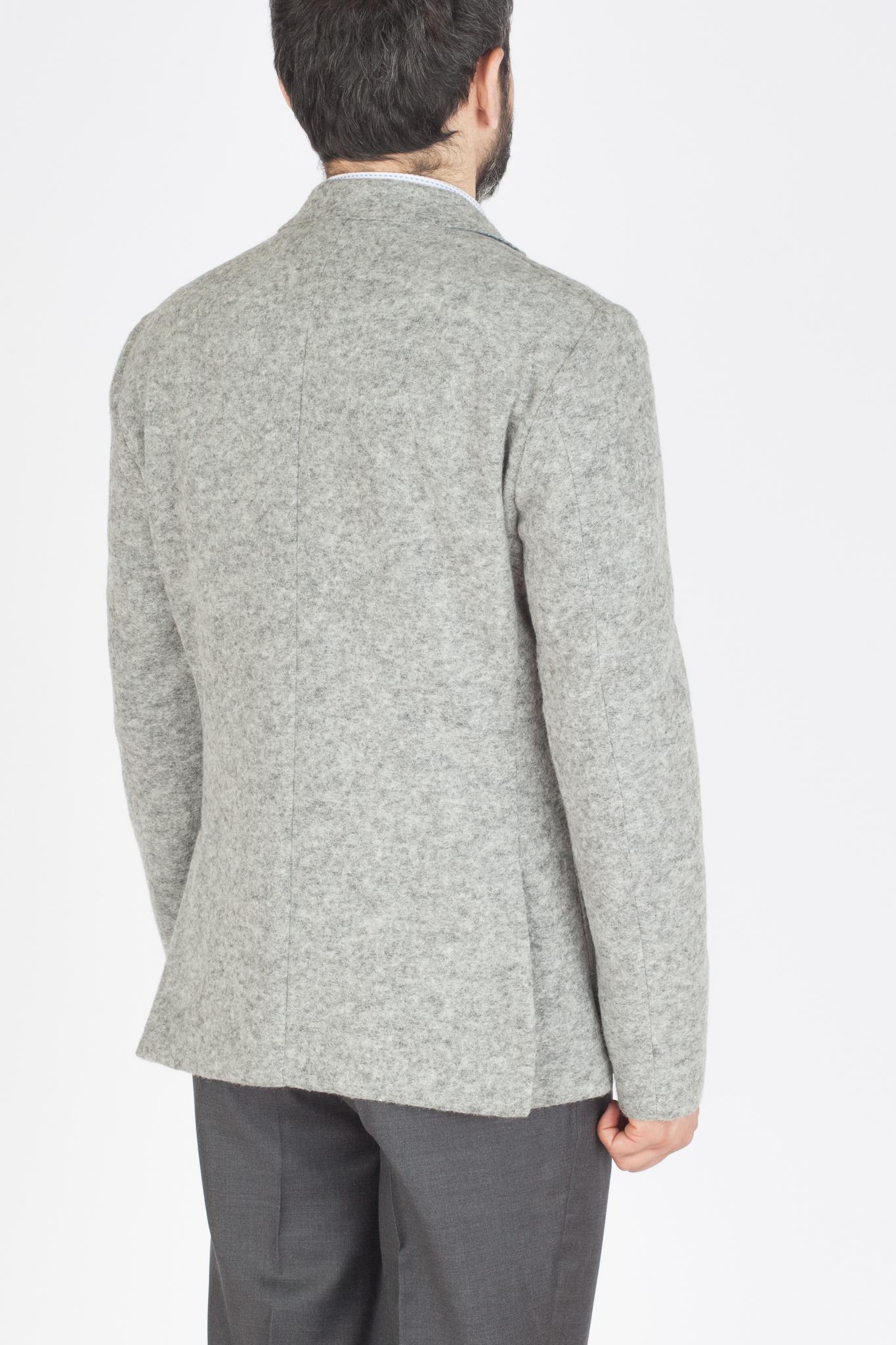 Светло-серый шерстяной пиджак