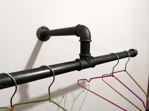 Настенная вешалка для одежды в индустриальном стиле, лофт