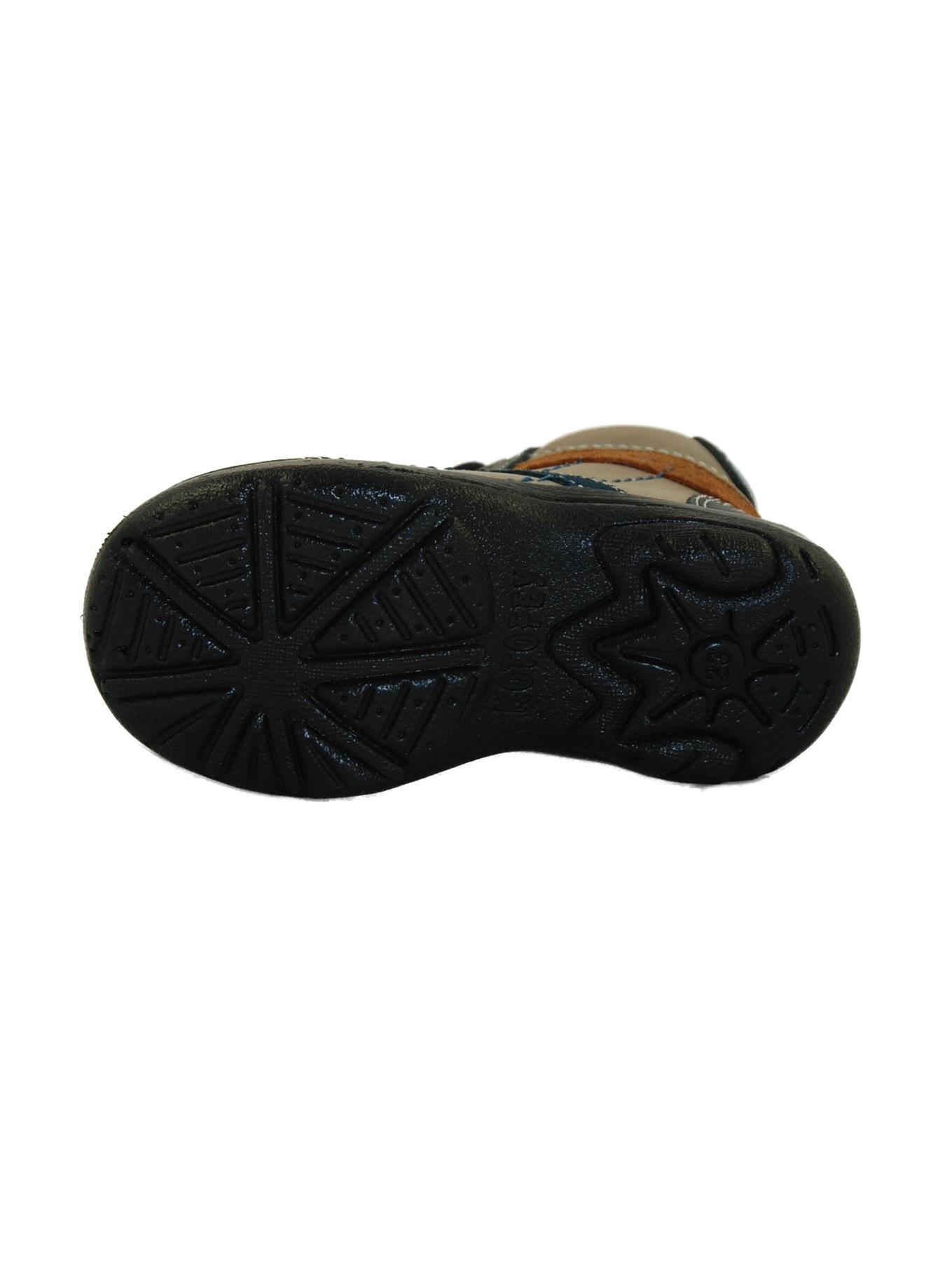 Дизайнеры одежды и обуви