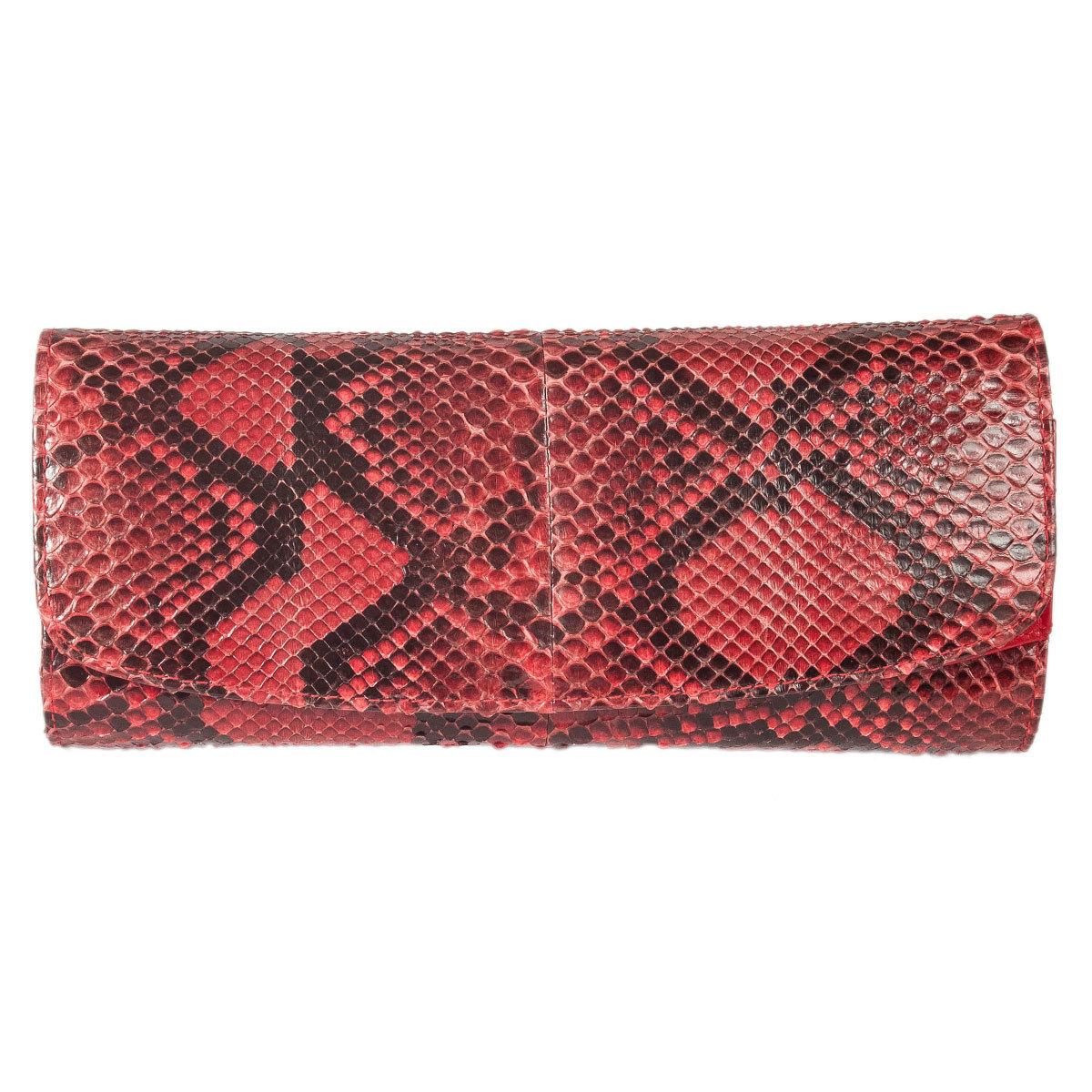 Купить со скидкой Barbara Bui черный клатч из кожи змеи