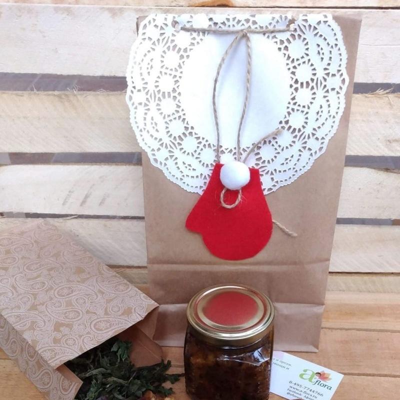 Фотография Упаковка вашего набора в крафт-пакет с украшением купить в магазине Афлора