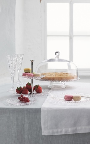Bossa Nova Footed Cake Plate With Dome