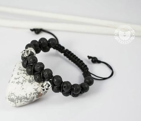 Мужской браслет шамбала с черепами, вулканическая лава. «Boroda Design»