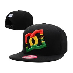 Кепка с логотипом DC Shoes черная 01
