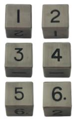 Набор шестигранных металлических кубиков цвета старого серебра