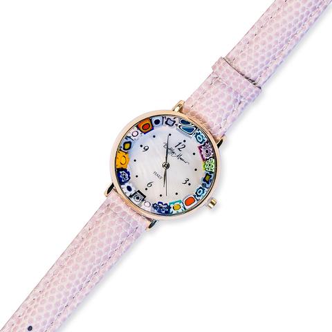 Часы на бледно-розовом кожаном ремешке с разноцветным циферблатом