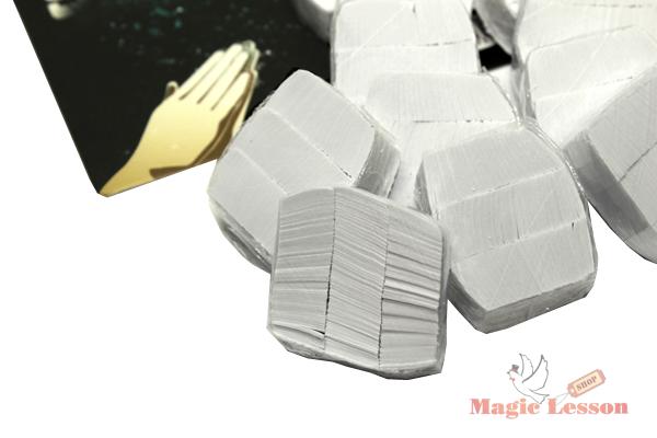 Белое конфетти
