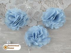 Цветы атласные с фатином голубые диаметр 5 см