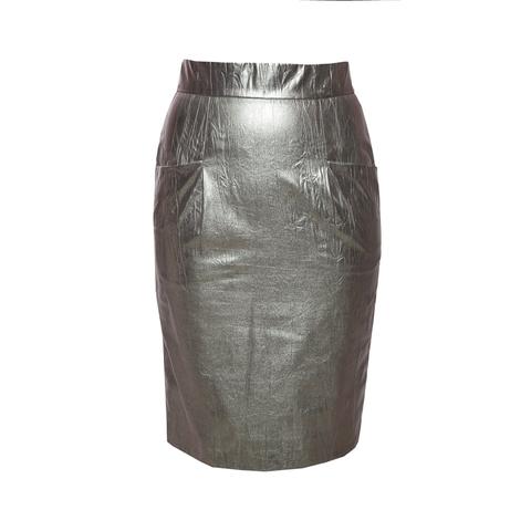 Эффектная юбка из метализированной кожи серебристого цвета от Chanel, 38 размер.