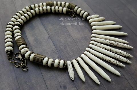 Бусина Говлит (искусств), рондель, цвет - молочный, 8х4 мм, нить (Этническое колье из Говлита. Пример)