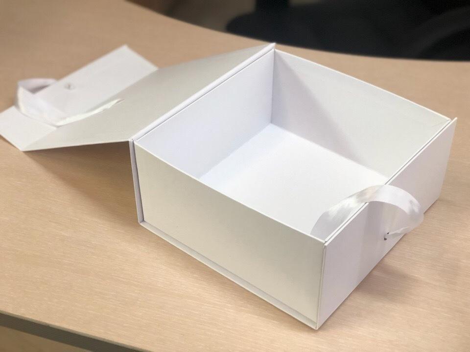 Коробка сундучок белый . Розница 300 рублей