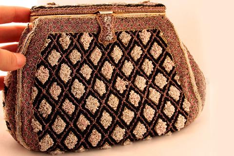 Роскошная сумочка расшитая бисером от Josef, Франция