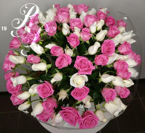 Букет 15 роз розово-белый микс