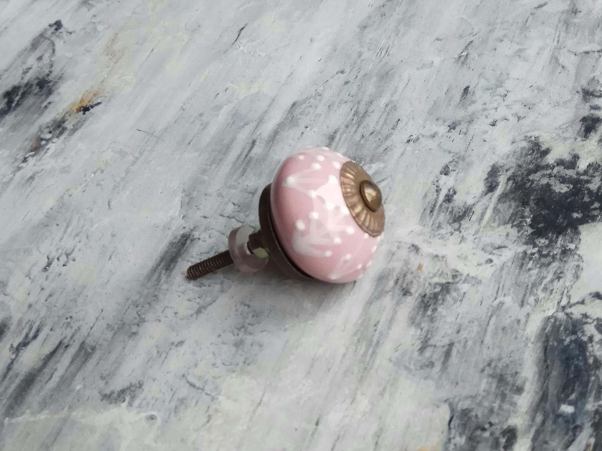 Ручка мебельная керамическая  - розовая с белым объемным узором, арт. 00001014