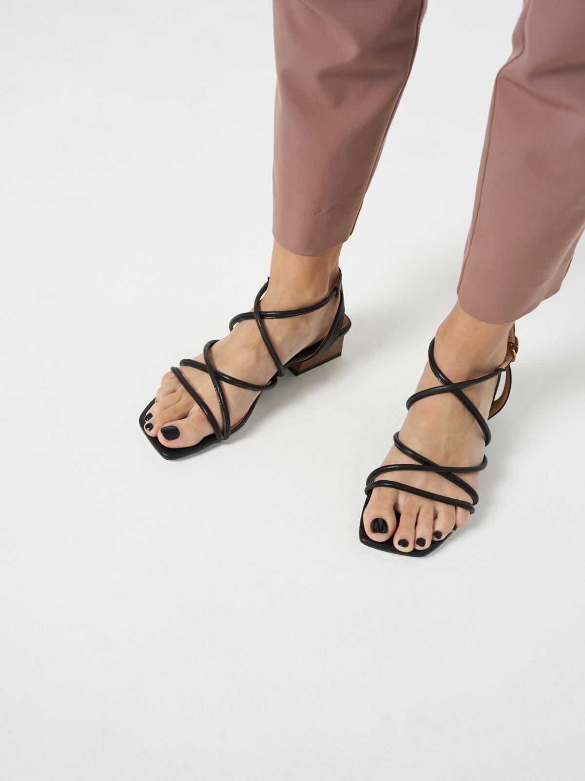 Босоножки на блочном каблуке