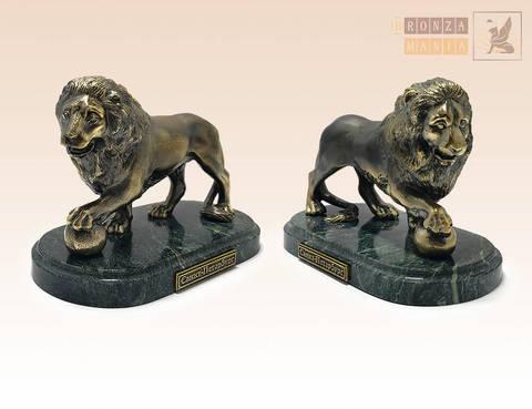 статуэтки Лев с шаром правый и левый большие на змеевике (пара)
