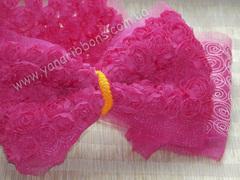 Ткань Розы на сетке малиновая