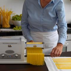 Marcato Pasta Fresca mixer with 'Misurone' measuring cup and accessories