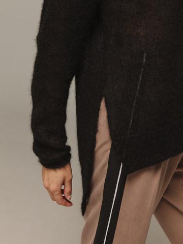 Женский черный джемпер с V-образным вырезом 100% мохер - фото 4